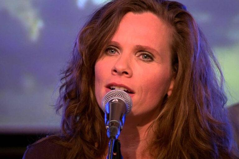 Singer Niki Jacobs of Nikitov
